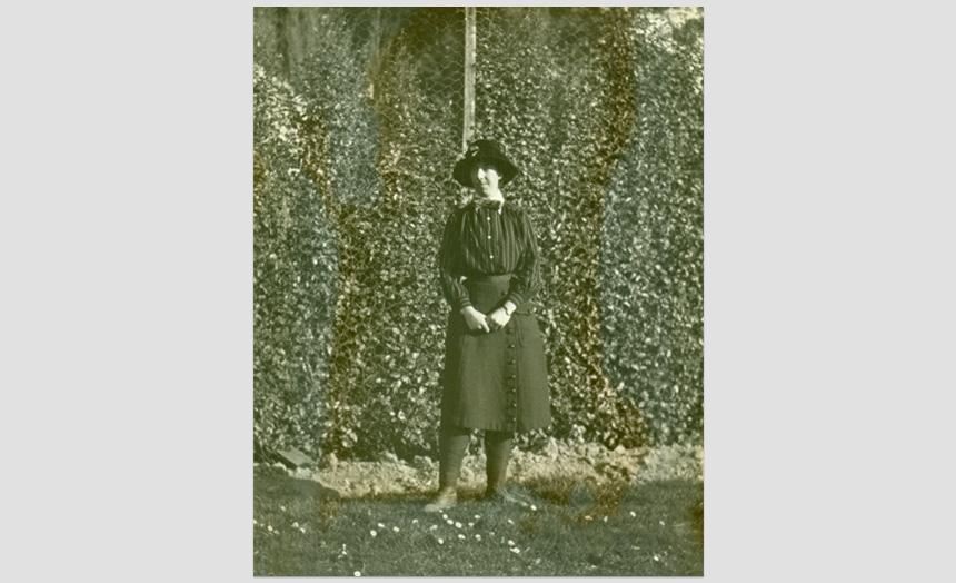 Dorothy Theomin, aged 25,(1914).