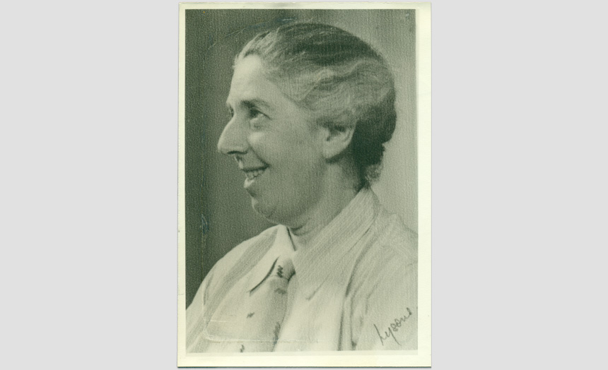 Dorothy Theomin, portrait in middle age.